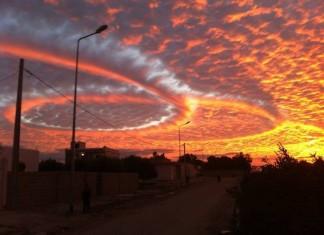 haarp ring cloud kairouan tunisia geoengineering, haarp ring cloud kairouan tunisia, haarp, haarp cloud, haarp sound, haarp ring cloud, haarp conspiracy, glowing ring cloud Kerouan tunisia dec 2014, nuage étrange kérouan tunisie, tunisie nuage étrange 2014, haarp nuage tunisie, geoengineering cloud, chemtrail clouds, chemtrail ring cloud kerouan tunisia, haarp ring cloud kairouan tunisia