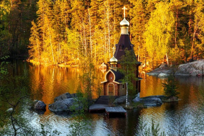 Lake Vuoksa chapel, Lake Vuoksa church, tiny church tiny island lake russia, orthodox chapel tiny island lake vuoksa, mysterious chapel lake vuoksa, actual little Orthodox chapel built on a tiny island on Lake Vuoksa