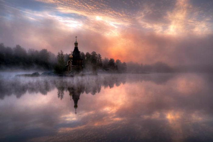 capilla Lago Vuoksa, iglesia lago Vuoksa, pequeña iglesia pequeña isla lago rusia, capilla ortodoxa pequeña isla lago Vuoksa, misterioso lago capilla Vuoksa, pequeña capilla real ortodoxa construida en una pequeña isla en el lago Vuoksa