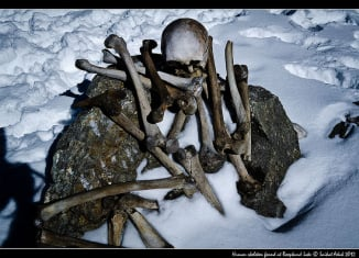roopkund lake mystery, Skulls and bones at Roopkund lake, bones and skully at roopkund lake, mysterious roopkund lake mystery, roopkund lake mystery debunked, skeleton laky mystery solved, hundreds of people killed by hail storm at roopkund lake,