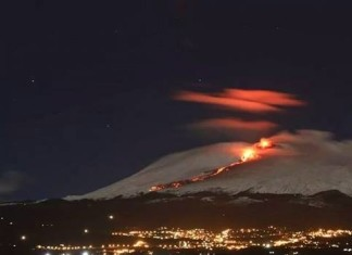 etna eruption 2015, etna eruption snow picture, etna eruption february 2015 snow, Eerie Nocturnal Etna Eruption In Snow, etna eruption snow photo, etna eruption snow photo february 2o15, etna volcano eruption snow picture, explosive etna eruption february 2015, etna eruption february 2015