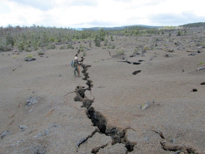 ground crack kilauea 2015, ground crack kilauea, ground crack kilauea volcano, ground crack kilauea eruption, ground crack kilauea 2015, ground crack kilauea volcano hawaii 2015, Ground cracks appear at active vents during the ongouing Kilauea volcano eruption 2014-2015