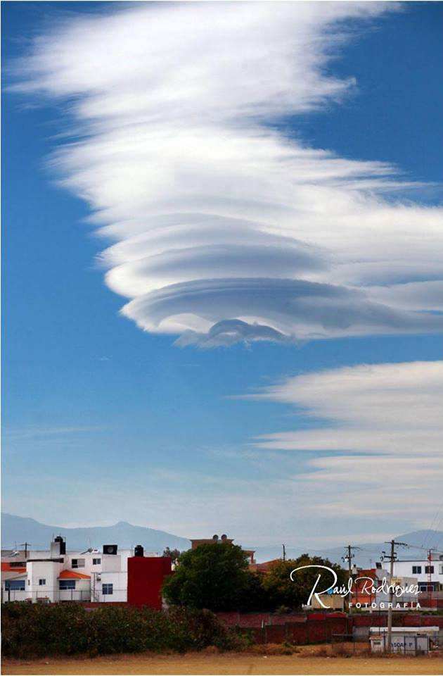 lenticular clouds, lenticular clouds photo mexico 2015, lenticular clouds video puebla 2015, ufo lenticular cloud puebla mexico, lenticular clouds mexico 2015, lenticular clouds puebla, nuebes puebla 2015, Nubes lenticulares sobre la Malintzin puebla mexico, Nubes lenticulares puebla 2015, Nubes lenticulares sobre la Malintzin video puebla mexico, amazing lenticular clouds photo and video