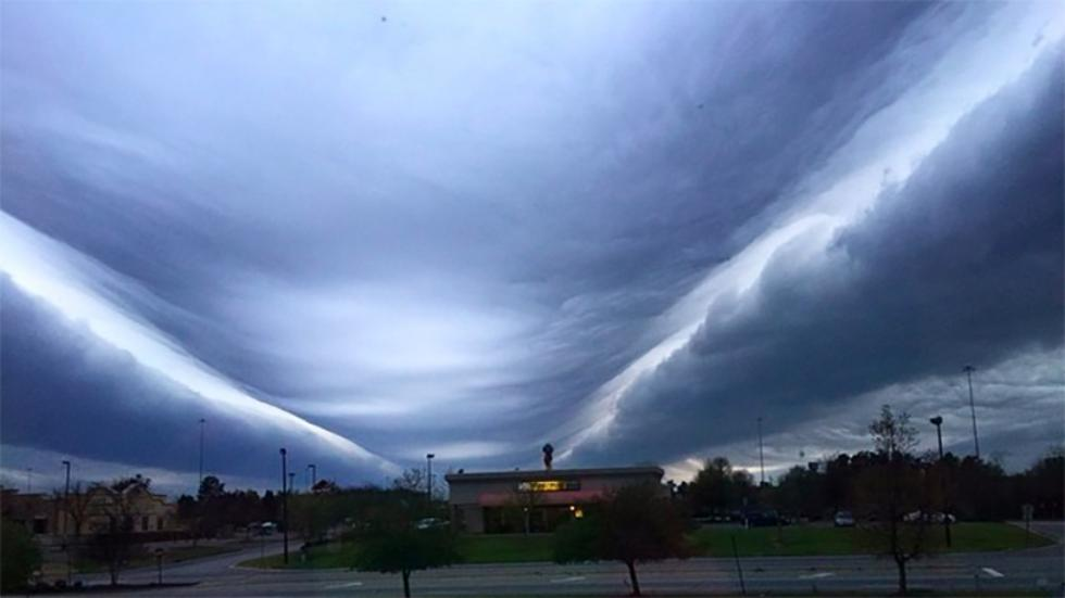 Roll clouds and Asperatus Clouds augusta and south carolina march 30 2015, Roll and Asperatus Clouds augusta and south carolina march 30 2015, asperatus unduléatus and roll clouds augusta virginia and south carolina pictures, amazing photo august clouds, virgina and nc strange cloud formation march 30 2015, roll clouds augusta march 2015, wave cloud august and nc march 2015