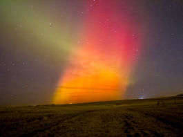 aurora picture, northern lights picture, red aurora, geomagnetic storm march 2015 pictures, pictures of aurora during solar storm on March 17 2015