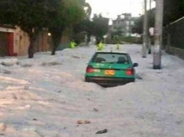 apocalyptical hail storm in bogota on march 22 2015, bogota hail storm march 22 2015, hail storm bogota, bogota hail storm video, bogote hail storm photo, bogota hail apocalypse march 22 2015 video and photo, fuerte granizada bogota, En Bogotá se registró una inusual granizada