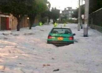 apocalyptical hail storm in bogota on march 22 2015, bogota hail storm march 22 2015, hail storm bogota, bogota hail storm video, bogote hail storm photo, bogota hail apocalypse march 22 2015 video and photo, fuerte granizada bogota, En Bogotá se registró una inusual granizada