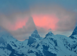 sky phenomenon, sky phenomena, alpine cloud shadow, alpine mountain shadow, mountian in clouds, shadow of alps in cloud, alp pictures, amazing alp picture