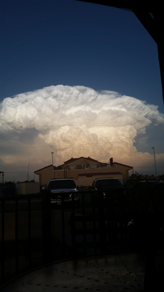 Supercell storm lubbock Texas, Supercell storm lubbock Texas pictures, Supercell storm lubbock Texas video, Supercell storm lubbock Texas photo and video, amazing cloud over lubbock, lubbock supercell cloud pictures and video