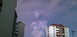 human shape cloud calbuco volcano photo, human shape ash cloud calbuco volcano, human shape ash cloud calbuco volcano photo, human shape cloud calbuco volcanohuman shaped cloud, human shaped clouds chilean volcano picture, picture chilean volcano human cloud april 2015