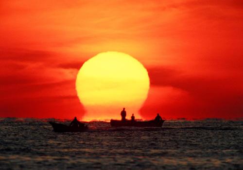 omega sun, omega sun picture, omega sun photo, Etruscan vase shape sun, omega sun phenomenon, strange omega sun phenomenon
