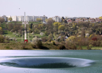 sinkhole cergy pontoise, sinkhole drains pond in france, huge sinkhole france april 2015, april 2015 sinkhole cergy pontoise