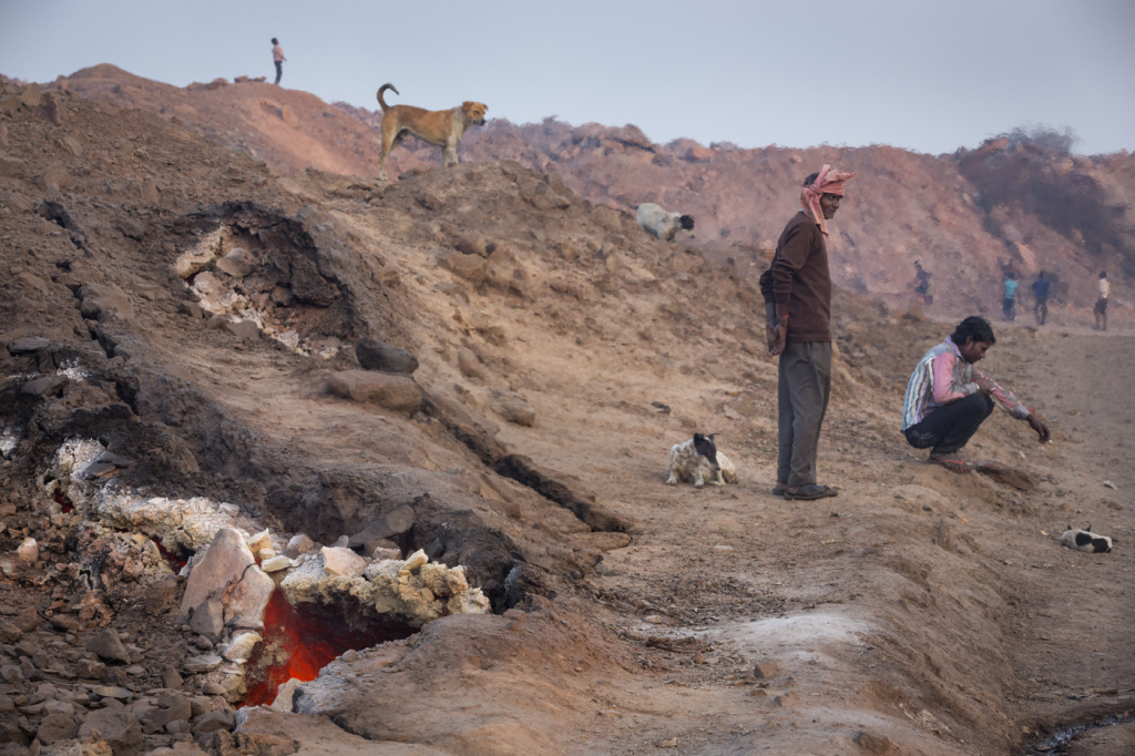 Hell city: Jharia is built over a giant burning pit ...