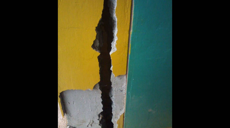 earth cracks peru, giant cracks peru 2015, earth crack peru, crack in earth peru, giant cracks in peru, giant cracks peru may 2015, may 2015 cracks peru, peru giant cracks may 2015 photo, strange geological phenomenon giant cracks peru may 2015