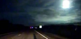 fireball puerto Montt, fireball puerto Montt video, Meteorito en Puerto Montt, fireball puerto Montt may 2015, fireball explodes over puerto Montt, fireball puerto Montt video, meteor fireball may 2015, meteor puerto montt may 11 2015, strange light in the sky purto montt