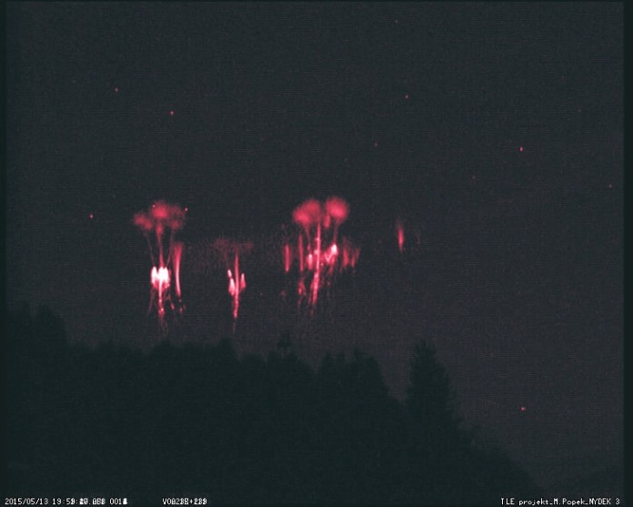 red sprites photo, red sprites pictures, red sprites 2015, sprites season may 2015, sprites may 2015 photo, Amazing red sprites fireworks over Nydek, Czech republic by Martin Popek, red sprite phenomenon