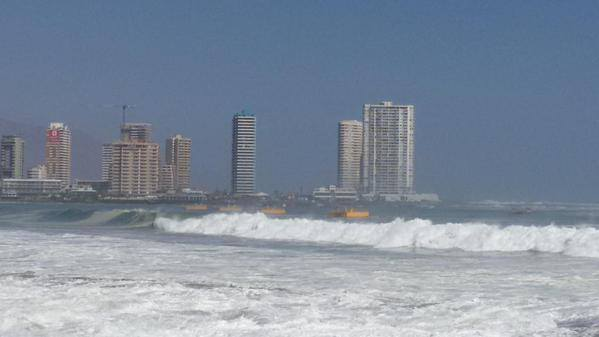extreme surge south america may 2015, giant waves pacific coast may 2015, surge south america may 2015, giant waves kill sout america mexico to chile, surge mexico to chile pacific coast may 2015, Grandes olas en playas de Panama, Mar de Fondo, Mar de Fondo 2015, Mar de Fondo 2015 foto e video