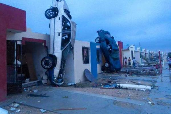Ciudad Acuna tornado, Ciudad Acuna tornado mexico, Ciudad Acuna tornado may 25 2015, Ciudad Acuna tornado may 25 2015 photo, Ciudad Acuna tornado may 25 2015 video, apocalypse after tornado in mexico boader town may 2015