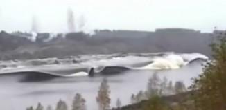 landslide tsunami video, landslide tsunami, tsunami video, landslide video, tsunami landslide video, amazing tsunami video, amazing landslide video