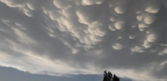 mammatus chicago june 2015, mammatus chicago june 2015 picture, mammatus chicago june 2015 video, mammatus chicago june 2015 motion picture, mammatus chicago june 2015 film, Awesome mammtus clouds in the sky of Illinois on June 10 2015. Photo: Lauren Seeley, A close-up of the mammatus clouds near Chicago. Perfectly formed! Photo: Lauren Seeley, Thank you for sharing these amazing mammatus pictures and motion picture. Photo: Lauren Seeley