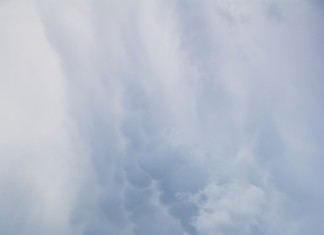 mammatus italy june 2015, mammatus cloud italy june 2015, mammatus cloud rome june 2015, mammatus cloud june 2015, Mammatus clouds falling from the sky, Mammatus often appear before a strong storm, Udders in the sky?