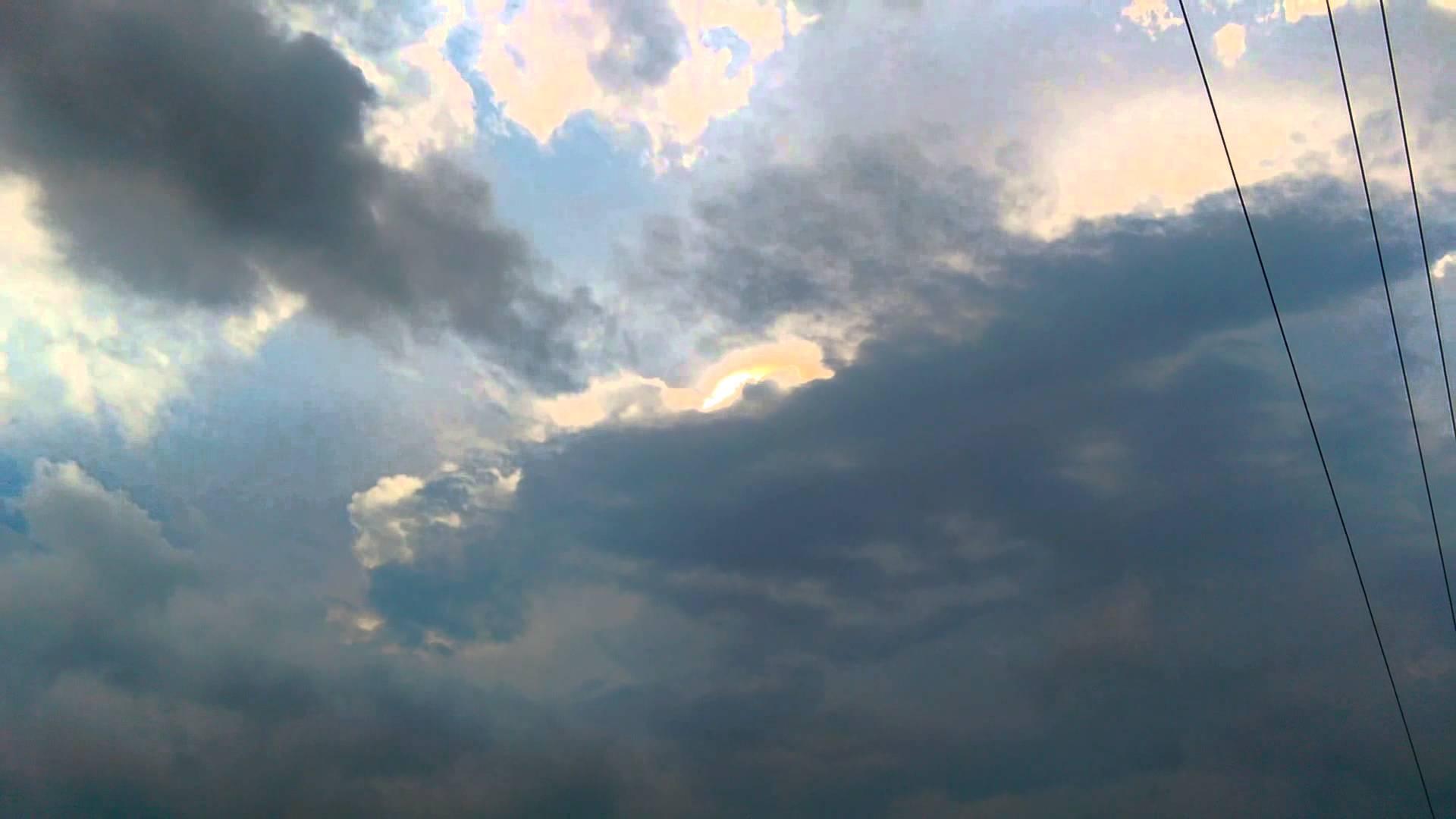 strange light clouds Greenwood Indiana, strange light clouds Greenwood Indiana video, video of strange light clouds Greenwood Indiana, crown flash, crown flash video, leaping sun dog, leaping sun dog video