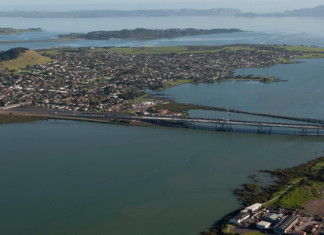 mysterious noise auckland, mysterious boom auckland, auckland boom june 14 2015, loud booms auckland june 14 2015, mystery booms and rumblings auckland june 2015