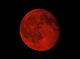 red moon, blood moon, blood moon july 2015, canadian wildfire season, canadian wildfire season turn moon blood red, moon takes red color due to canadian wildfire season, blood moon july 2015