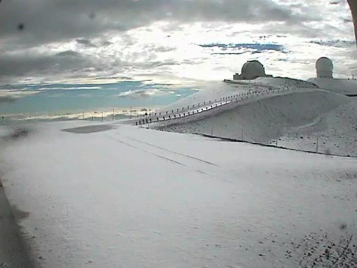 hawaii snow july 2015, , snow hawaii photo, snow hawaii video, Mauna Kea snow july 2015, snow hawaii, snow hawaii Mauna Kea july 2015, snow hawaii july 2015, snow stomr hawaii july 2015, snow hawaii volcano photo, snow hawaii photo, snow hawaii video