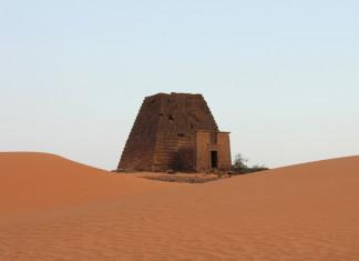 pyramids of meroe sudan, pyramids of meroe, nubian pyramids, ancient sudan pyramids, sudan pyramids photo, pyramids of meroe sudan video