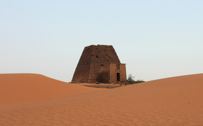 pyramids of meroe sudan, pyramids of meroe, nubian pyramids, ancient sudan pyramids, sudan pyramids photo, pyramids of meroe sudan video