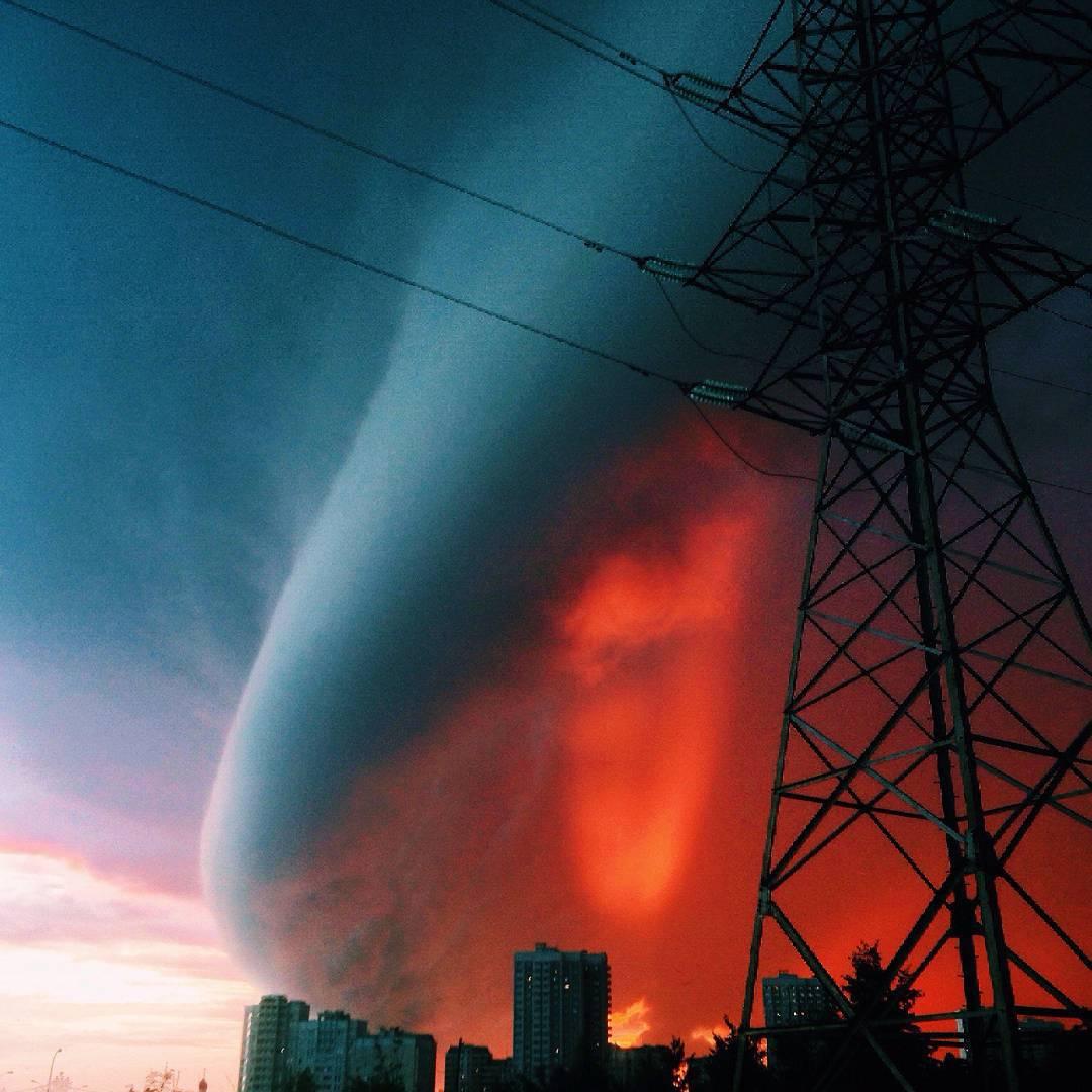 παράξενο σύννεφο Μόσχα, παράξενο σύννεφο Ιουλίου 2015, σύννεφο, παράξενο σύννεφο, αποκάλυψη, παράξενο σύννεφο Μόσχα, τρομακτικό σύννεφο φωτογραφία, φωτογραφίες τρομακτικών σύννεφα πάνω από τη Μόσχα