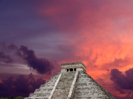 Kukulkan Pyramid Chichen Itza cenote, lake found under Kukulkan Pyramid Chichen Itza, cenote discovered under Kukulkan Pyramid Chichen Itza, cenote discovered under Chichen Itza grand Kukulkan Castle Pyramid, Chichen Itza grand Kukulkan Castle Pyramid collapse due to lake under pyramid, pyramid of Kukulkan cenote, cenote under pyramid of Kukulkan in Chichen Itza