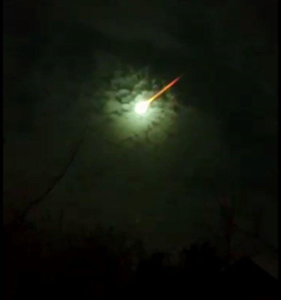 fireball argentina july 30 2015, green fireball argentina, Fireball turns sky green over Argentina, El meteorito que iluminó el cielo de Buenos Aires, meteorite buenos aires, meteor buenos aires video, argentina fireball july 2015 video