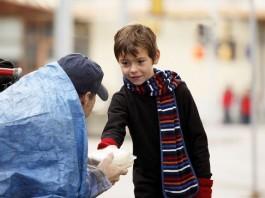 homeless, homeless love, homeless photo, children love homeless