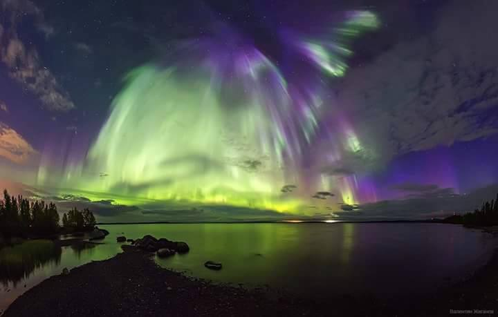 angel sky aurora, The angel aurora then transformed into a furious firebird northern lights, aurora looks like an angel, angel-shaped northern lights, angel-shaped auroras, angel shape aurora forms in russian sky, There is an auroral angel in the sky over Murmansk, And the mystical phoenix flew away.