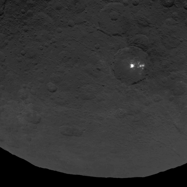ceres mysterious spots, ceres mysterious bright spots, ceres bright spot new photo, ceres mysterious spot dawn spacecraft, ceres mysterious spots photo HD, new pictures ceres mysterious spots