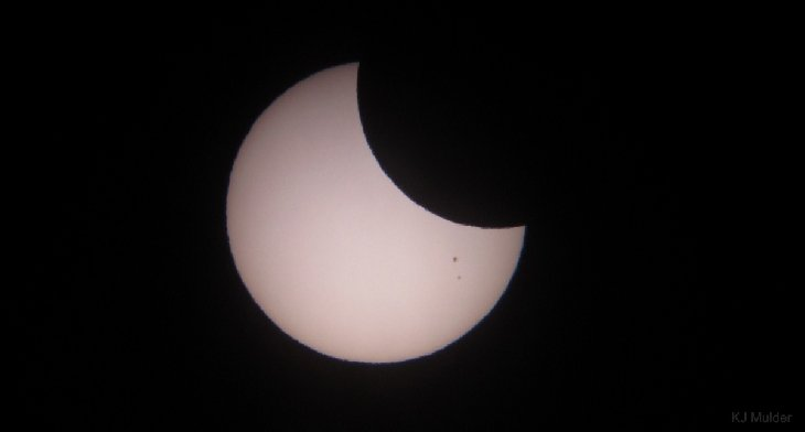 partial solar eclipse september 13 2015, partial solar eclipse september 13 2015, solar eclipse september 13 2015, partial solar eclipse pictures, september 13 2015 partial solar eclipse, double eclipse of the sun september 13 2015, partial eclipse sun september 13 2015 photo, partial solar eclipse sept 13 2015, solar eclipse september 13 2015 pictures, double eclipse september 13 2015, solar eclipse sept 13 2015, partial partial eclipse september 13 2015, partial solar eclipse sept 13 2015 photo, solar eclipse sept 13 2015 video, solar eclipse sept 13 2015 south africa, solar eclipse sept 13 2015 antarctica, Double eclipse of the sun captured by SDO AIA 171 Angstroms, Partial solar eclipse on 13 September 2015 as seen from Cape Town