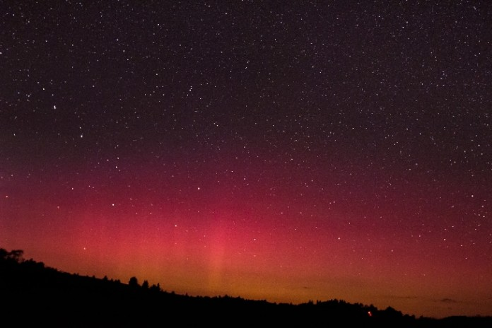 red aurora, red aurora WV, red aurora West Virginia, red aurora virginia, red aurora WV september 9 2015, solar storm september 9 2015, red aurora photo, Blood red auroras in the sky of Spruce Knob, West Virginia. Photo by Darren Shank