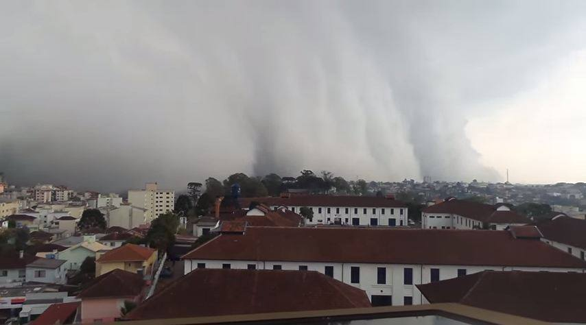 Video storm, storm, storm cloud video, video storm clouds, storm clouds photo brazil, terrifying clouds engulf city in Brazil, terrifying clouds caxias do sul, caxias do the storm, the clouds do caxias video