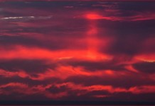 Sunset pillar caught over the Canary Islands by Roberto Porto