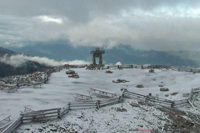 whistler snow, whistler snow photo, whistler snow september 2015, whistler snow september 2 2015, summer snow whistler 2015