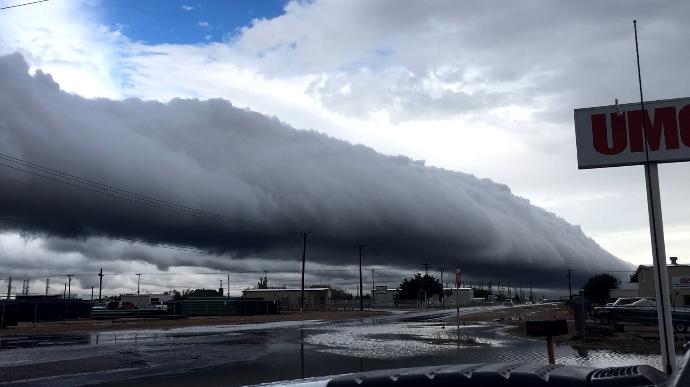 Roll cloud, roll clouds, odessa roll clouds, clouds roll over odessa, insane cloud engulfs odessa