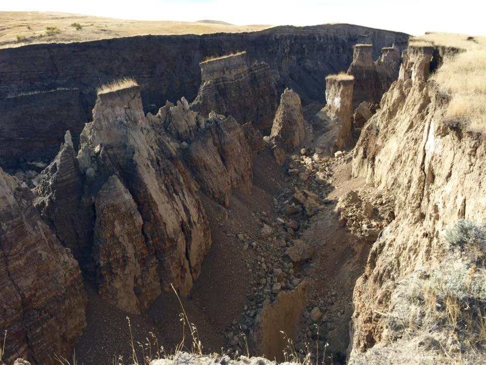 giant crack wyoming, giant crack Big Horn Mountains wyoming, giant crack Big Horn Mountains wyoming pictures, giant crack opens in earth wyoming october 2015, giant crack wyoming photo october 2015