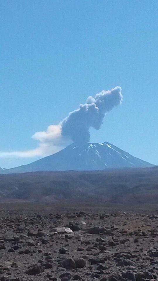 lascar volcano eruption october 2015, lascar volcano eruption october 2015 pictures, lascar volcano eruption october 2015 video, lascar volcano eruption october 30 2015