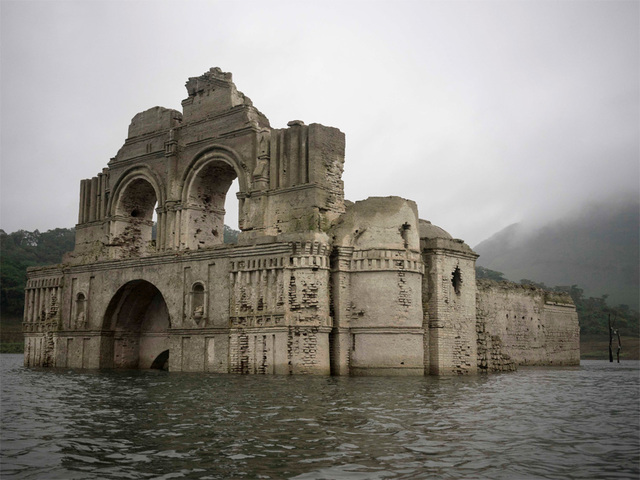 mexico church re-emerges from underwater, mexico church underwater, mexico church reappears in reservoir, mexico church appears from underwater, underwater mexican church reappears from underwater