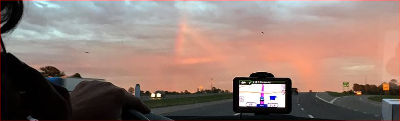 mysterious red triangle mississippi, triangular ufomississippi, ufo sightings mississippi, red triangular ufo mississippi, what is this strange red triangle in the sky of mississippi, Close-up images of this mysterious red triangle in the sky of Mississippi, Is this a magic portal opening in the sky? A triangular UFO?