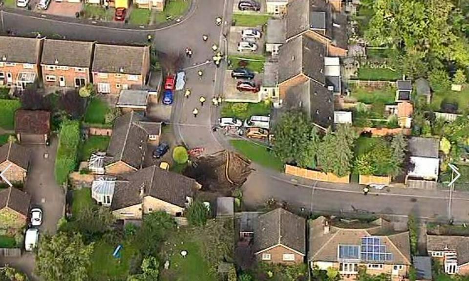 sinkhole st albans hertfordshire, sinkhole st albans hertfordshire photo, sinkhole st albans hertfordshire video, sinkhole st albans hertfordshire near london, giant sinkhole sinkhole st albans hertfordshire october 1 2015