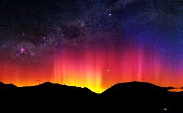Southern lights, aurora australis, Southern lights picture, aurora australis picture, red aurora australis over new zealand, new zealand souhtern lights, best southern lights pictures, like a rainbow but these are Southern lights over New zealand.