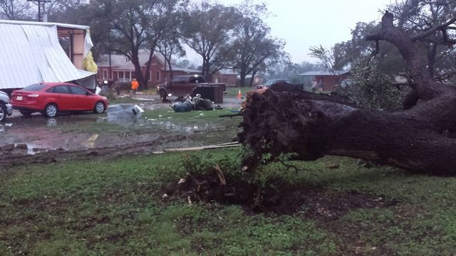 tornado texas october 30 2015, tornado texas oct 2015 picture, tornado texas pics, tornado texas october 30 2015 photo, tornado texas video, tornado texas october 30 2015 video, tornado texas, halloween storm texas, halloween tornado texas photo video